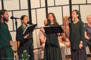 Vokalquartett Harpa Dei singt betend fantastische sakrale Melodien